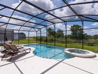 6 Br luxury pool home in Aviana Resort