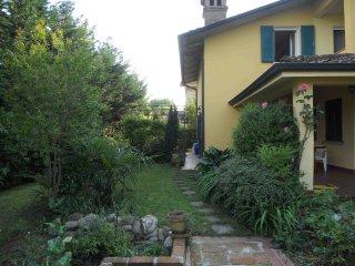 Villa per vacanza nel benessere e nel verde, Luzzara