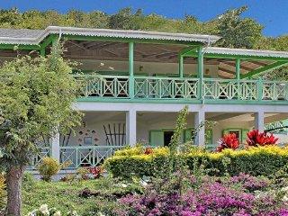 Villa Oasis, Charlestown