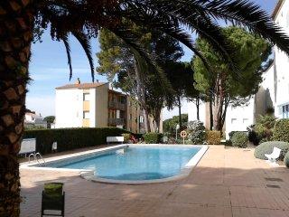 Apartamento con piscina comunitaria a 700m de la playa 6p, L'Escala