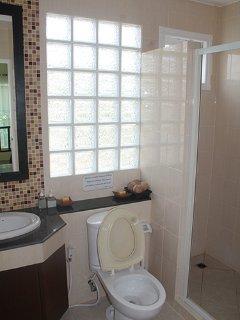 1st.Floor Bathroom
