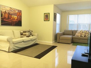 NEW APARTMENT AT SAWGRASS MALL SUNRISE, FL