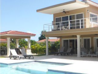 Two story villa with 4th bedroom in its own little house in gated community, Sosúa