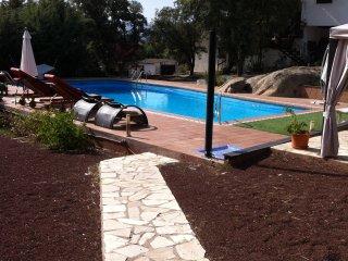 Chalet de dos pisos 14 personas con piscina, El Escorial