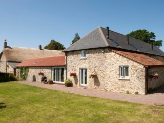 The Linhay Sleeps 6 plus Cot