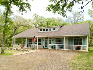 Kamdens Place, Sanders Island View, Lake Texoma, Kingston