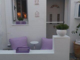 Kithnos Driopida Traditional House