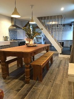 big eat in kitchen with farmhouse table