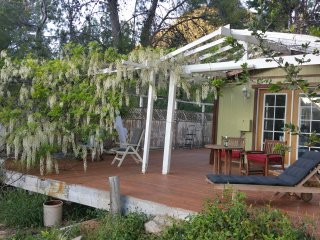 Spacious 2 Bedroom on 1 Acre w/views, Topanga