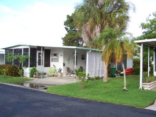 1 Bedroom Mobile Home - SW Florida on Lemon Bay