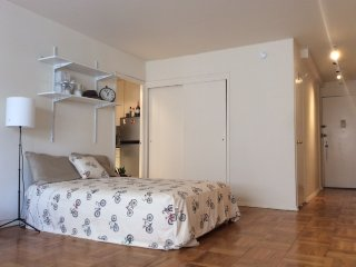 Cozy-Private-Easy Commute at 77stop Upper Eastside, Nueva York