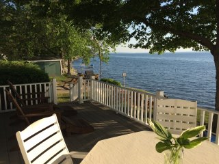 Lake Champlain Sunsets-Cottage style Gem.