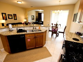 Fun town home with a tranquil nature preserve view, Kissimmee