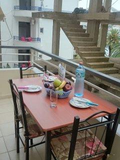 tavolo sul balcone
