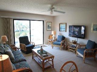 Summerhouse 238, Sleeps 6, Ocean View Condo, 4 Heated Pools, WiFi, Marineland