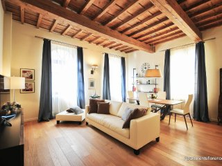 Strozzi Exclusive Apartment