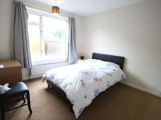 Amazing double bedroom in Kingston, Kingston upon Thames