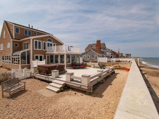 SPECTACULAR 180* Ocean Front Home Sleeps 10+, Marshfield