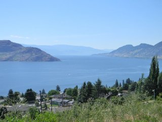 The Lakeview Get-away, Peachland