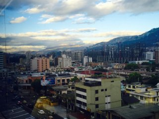 STUDIO FOR 2-VIEW THE PICHINCHA-FREE WI-FI CABLE, Quito