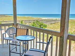 1BR Carolina Beach Oceanside Condo w/ Panoramic Views - w/Wifi & Private Covered Patio - Unparalleled Access to the Beach! Close to Popular Local Attractions!
