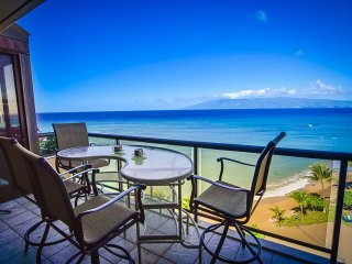Oceanfront with Stunning Views. Large 2 Bedroom., Lahaina