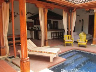 Casa Leon Tamarindo - Pool in your living room!
