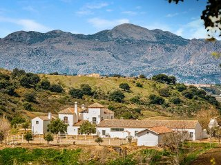Rasero Retreat, Sleeps 16, Ronda
