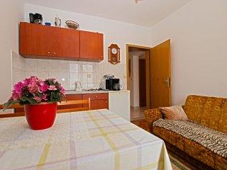 Apartment 9643