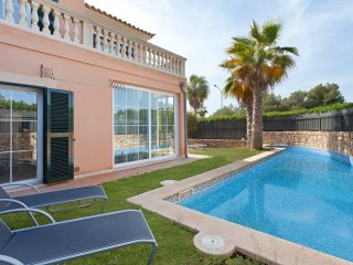 Beautiful villa with private pool in beach area, Puig de Ros