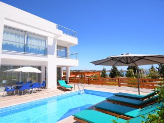 Villa Phoebe In Coral Bay, Pafos