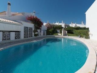 Feta Villa, Olhos de Água, Algarve