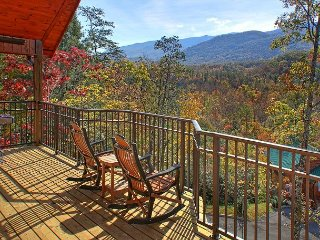 Brand New 1 Bedroom Luxury Cabin with Amazing Views, Gatlinburg