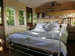 Tremerlin,  The Railway Carriage, Helford