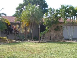 Cape Coral Waterfront Pool House for Rent