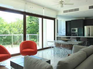 XM2 Luxury Condo, Panoramic Views, Akumal