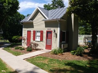 South River Historic Cottage-Luray VA-Sleeps 2