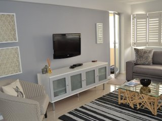 Stylish 1 bedroom apartment on Sea Point Promenade, Cidade do Cabo Central