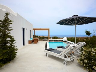 Amor Hideaway one bedroom villa with pool, Fira