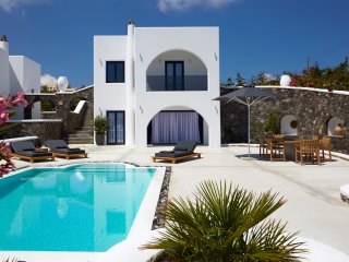 Amor Hideaway three bedrooms villa with pool, Fira