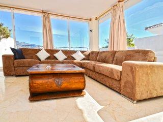 I Penthouse in Puerto banus - walk to beach+shops, Nueva Andalucia