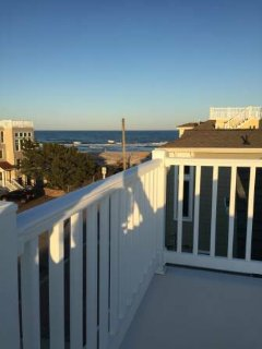 2 BR plus Den, Beautiful, Clean EIK Condo 2 Houses From Beach, Long Beach Township