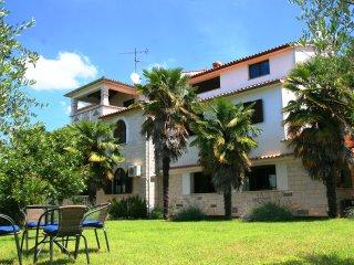 Fabulous Apartment Well Located, Sveti Lovrec