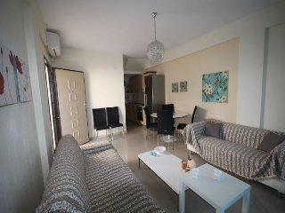 R6 Lux Maisonette next to the sea, Hanioti