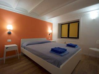 Nuovissima stanza privata B in casa vacanza