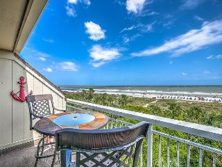 313 Breakers-Direct Oceanfront, you can't beat this view! Oceanfront Pool, Hilton Head
