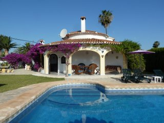 Oasis: beautiful Denia villa
