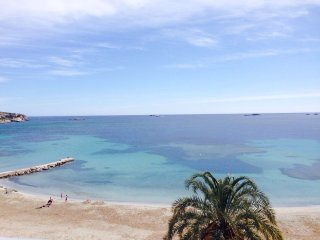 Nice Ibiza Front Beach Apartment, Playa d'en Bossa