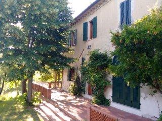 Casolare in collina - stanza tripla B&B, Casciana Terme Lari