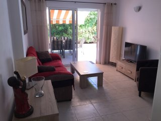 Beautiful Apartment, LARGE Terrace, Communial Pool, Playa San Juan